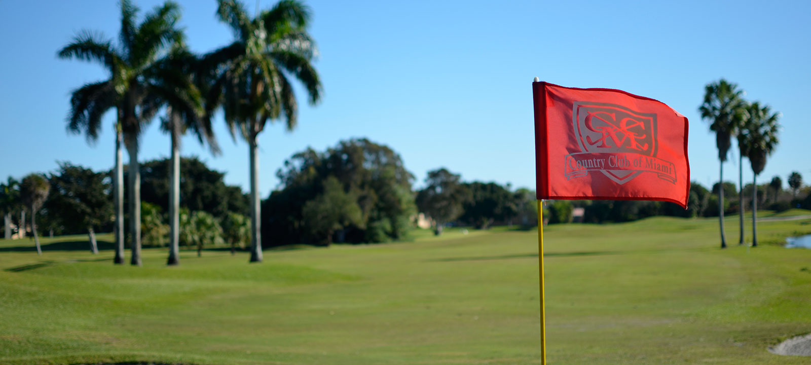 Country-Club-Miami_Flagstick-red